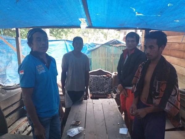 Polsek Wayapo Gerebek Pasutri Pemilik Tromol yang Beraktivitas Mengelolah Material Emas dari Gunung Botak