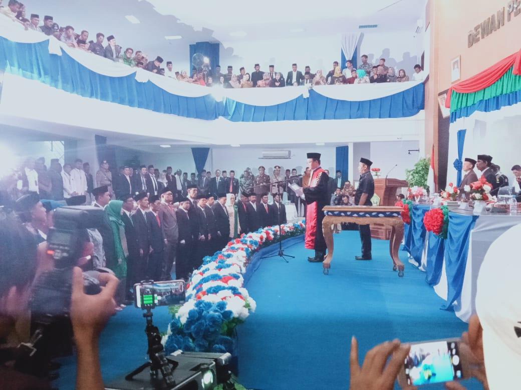Pengambilan Sumpah Jabatan 25 Anggota DPRD Kolaka Utara