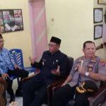 Bersama Kapolres Pelabuhan Belawan, Plt Walikota Medan Hadiri Upacara peringatan Hari Guru ( PGRI) di SMP Negeri 11 Medan