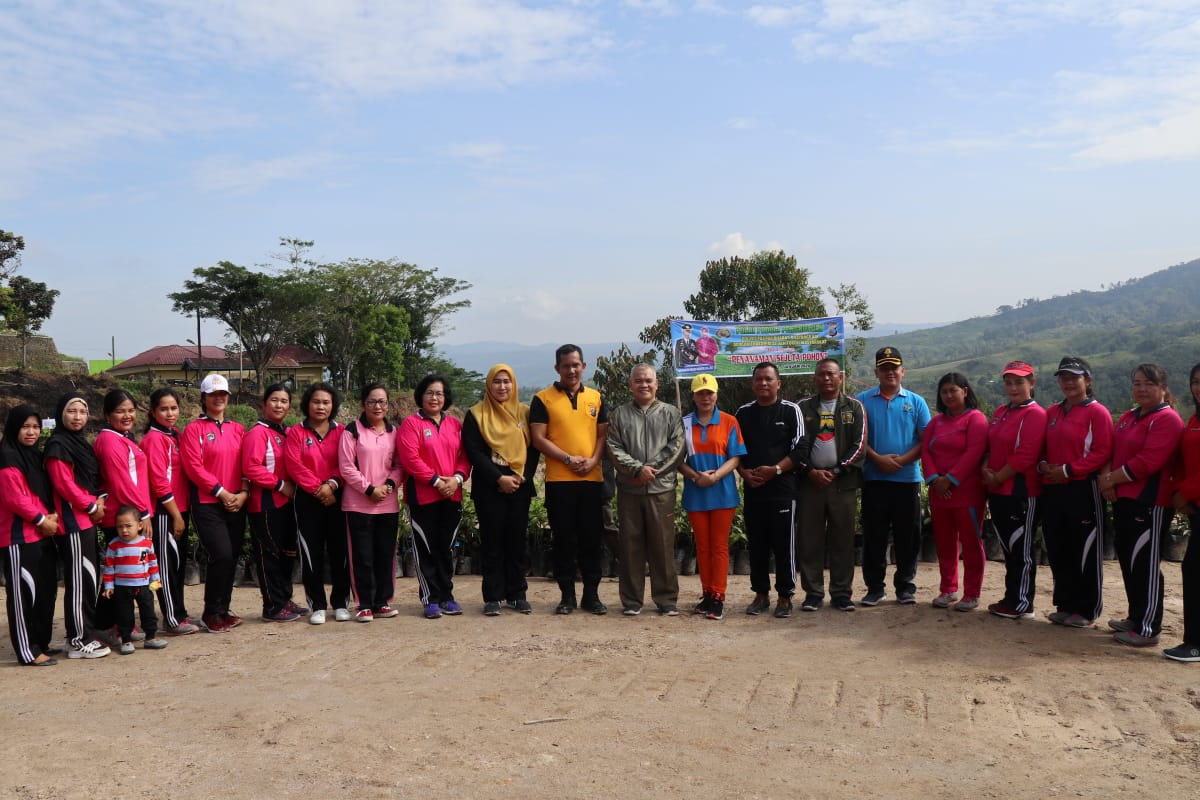 Dukung Program Polri, Polres Pakpak Bharat tanam 3000 Pohon