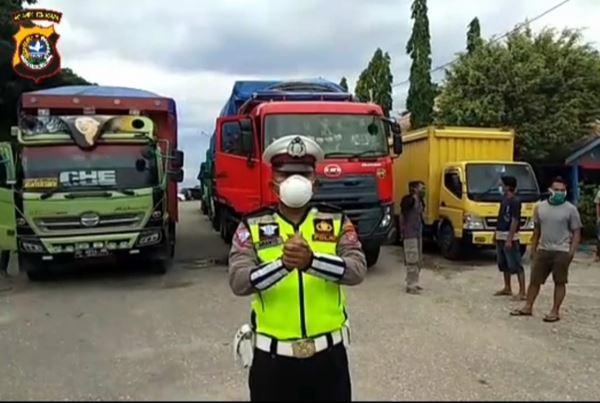 Antisipasi keterlambatan Distribusi, Sat Lantas Polres Kolut kawal kendaraan pembawa sembako